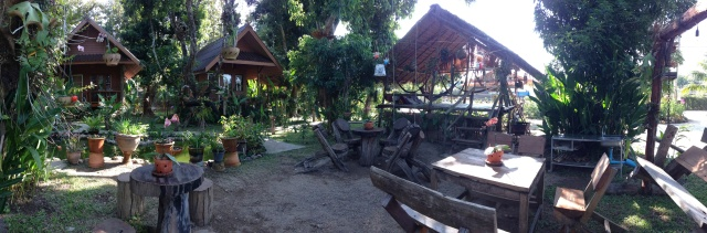 02. Lychee bungalows