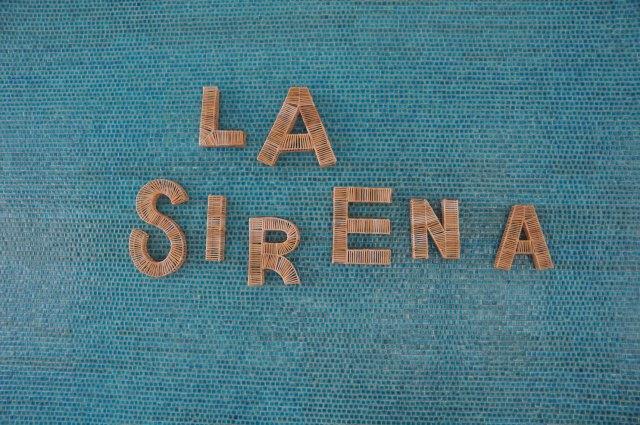 01. La Sirena_signage